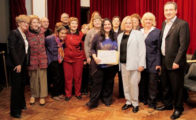 Imagen noticia: Entrega de certificados del Programa UPAMI