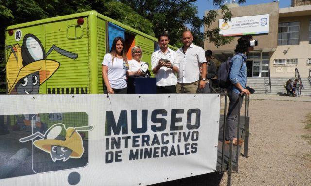 Imagen noticia: Un Museo Itinerante de Minerales en el Playón de la UNS