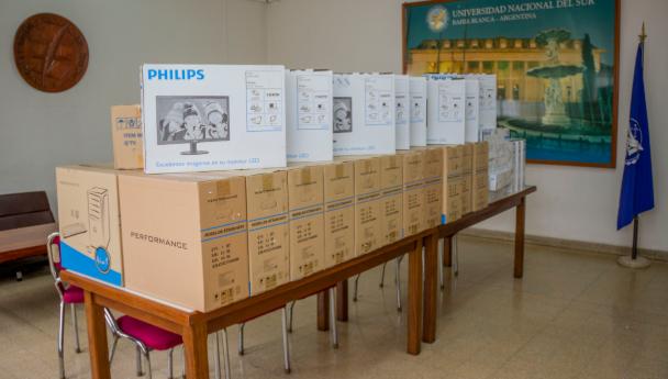 Imagen Noticia: 12 millones de pesos para equipamiento informático, multimedial y laboratorios