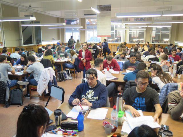 imagen de la noticia: La sala de lectura de la UNS funcionará con normalidad.