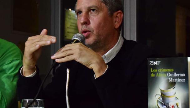 Imagen Noticia: Guillermo Martínez presentó en la UNS su nueva novela