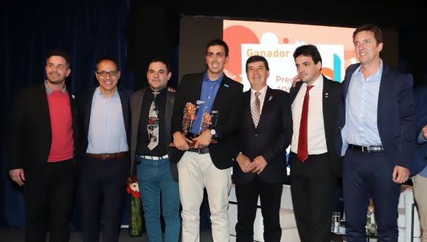 Imagen Noticia: Egresado de la UNS ganó el Premio Joven Empresario Argentino