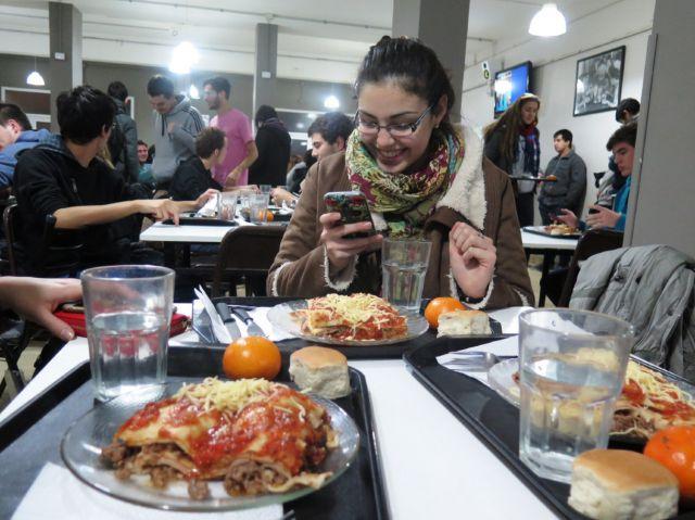 imagen de la noticia: Las becas comedor son una de las opciones que ofrece la Secretaría General de Bienestar Universitario