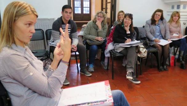 Imagen Noticia: Se dictará una nueva capacitación en Lengua de Señas Argentina