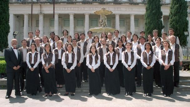 Imagen Noticia: Reconocimiento al director del Coro de la UNS y EMUNS