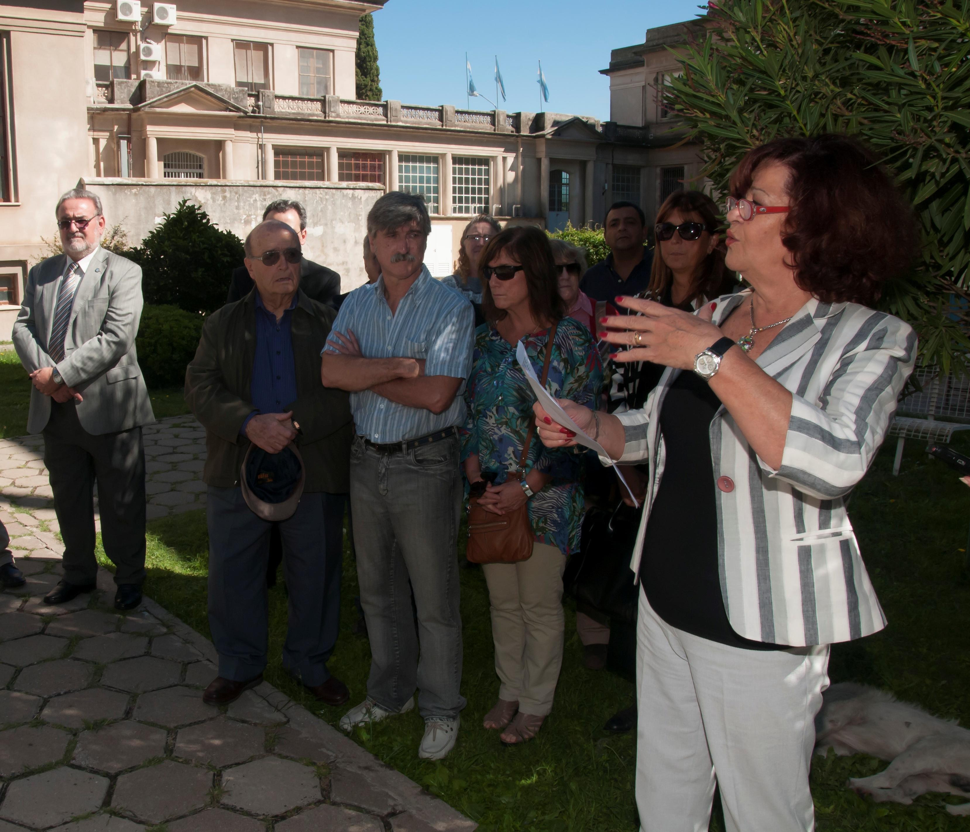 Acto institucional patio central Complejo Alem